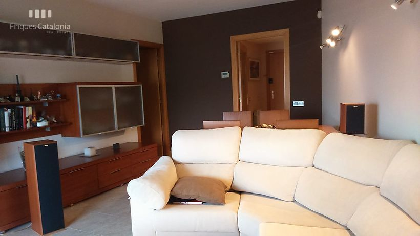 Very complete apartment, very good distribution, ready to move into, in Terrasa (Barcelona)