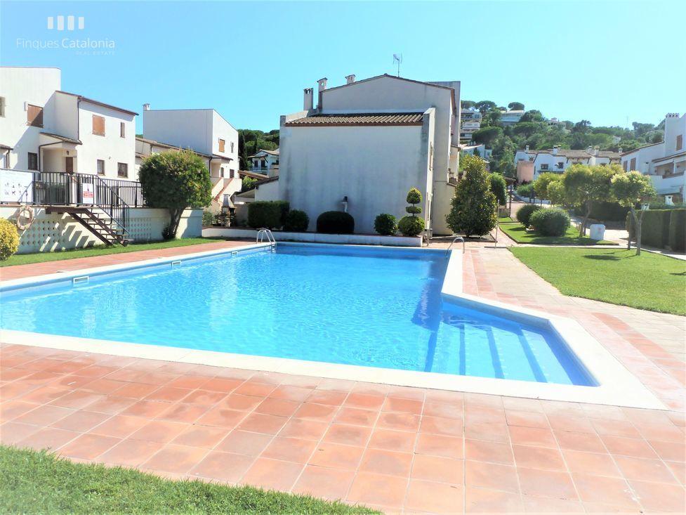 Casa Adosada En Sant Antoni De Calonge Con Piscina Terraza