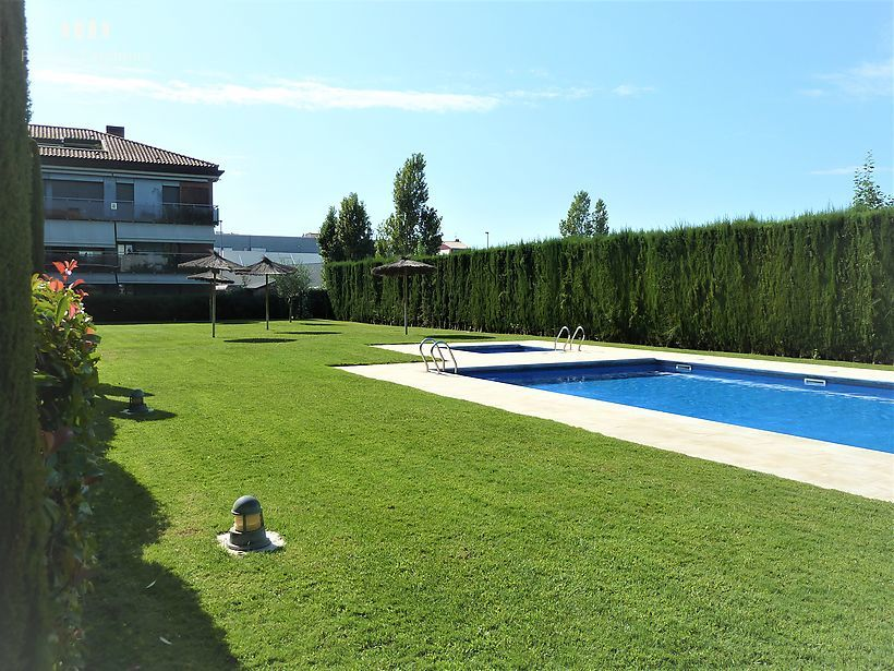 Apartment with swimming pool and parking in Sant Antoni de Calonge