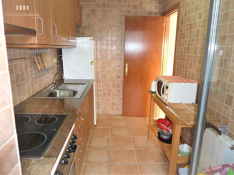 Sunny apartment with good views and all exterior facing south in Calonge.