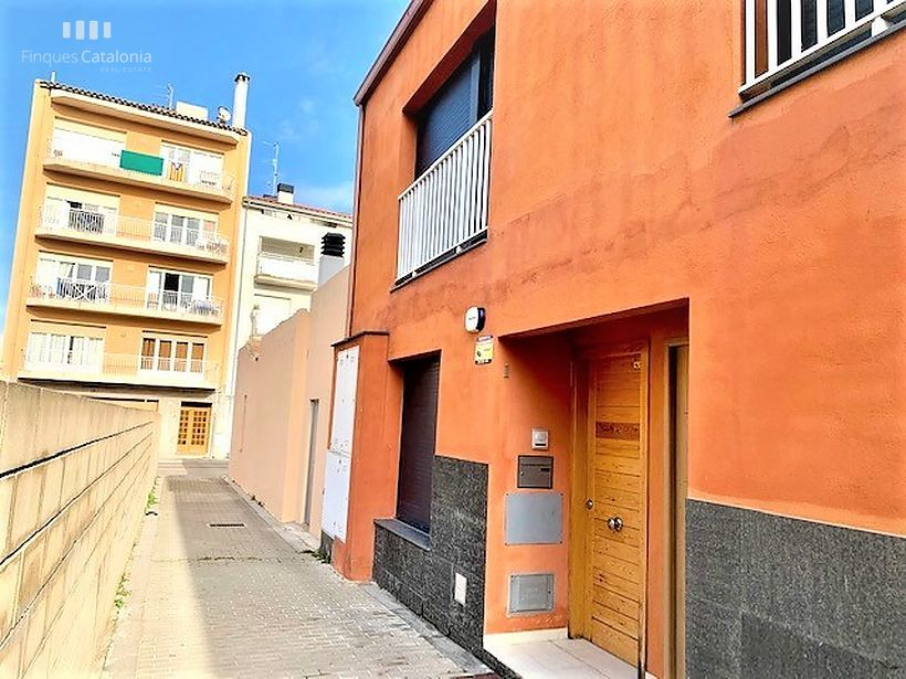 Townhouse of 56 m2 built on the 3rd line of Sant Antoni de Calonge.