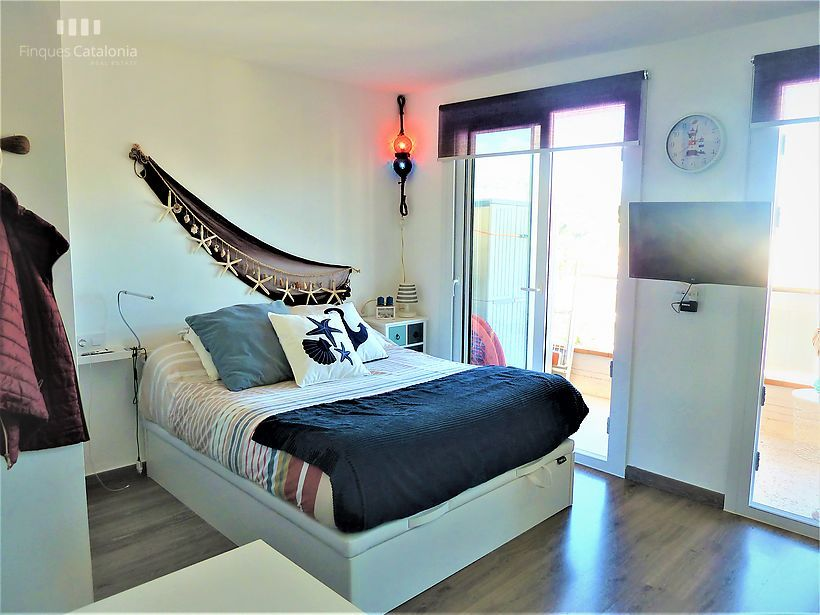 Studio or Loft renovated marine style on the first line of Torre Valentina